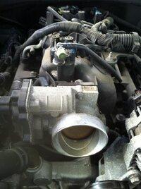 2013-06-22 throttle body 1 before cleaning.jpg