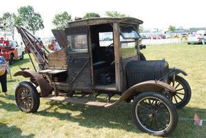 1922-Model-T-wrecker-3.jpg