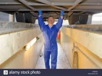 worker-in-garage-pit-KN05NG.jpg
